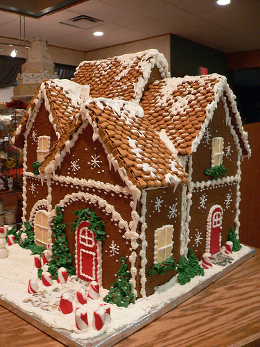 Unusual Gingerbread House 2