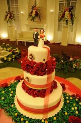wedding cake with fondant