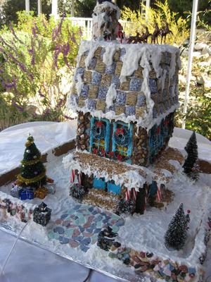 Tammy' Gingerbread House 2013