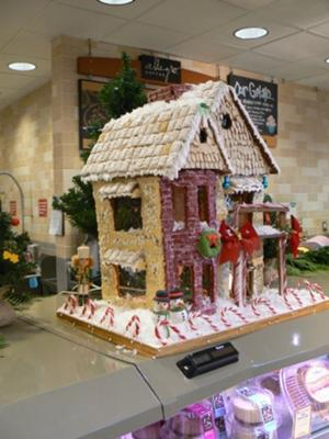 Victorian Christmas Gingerbread House